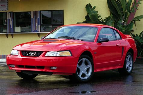 ford mustang  automatic  door specs cars datacom