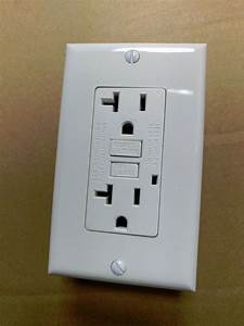 1 Pc  New 20a Gfci Outlet Receptacle 20 Amp White W   Led Light   Wallplate