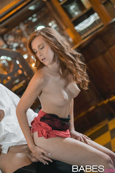 Red Haired Girl Has A Nice Surprise Photos Linda Sweet