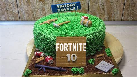 fortnite cake    fortnite birthday cake step