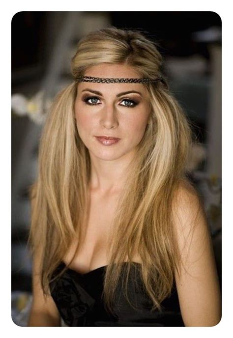 70s Hairstyles Headbands by 125 Nostalgic Chic 70s Hairstyles That You Should Copy