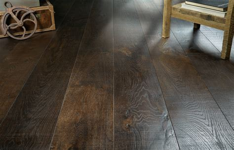 We make beautiful wood flooring and guide   Real Wood Floors