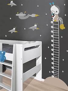 une toise geante en sticker avec astronaute vaisseaux et With chambre bébé design avec perforatrice géante fleur