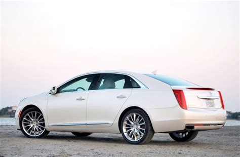 Review 2013 Cadillac Xts Luxury Sedan