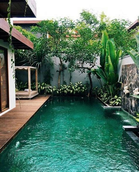 30+ Charming Small Backyard Designs with Swimming Pool ...