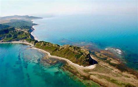 Albanian Profile - Deti Adriatik edhe Jon