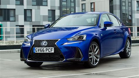 Lexus IS300h (2017) review by CAR Magazine