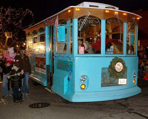 naperville trolley at the parade of lights naperville