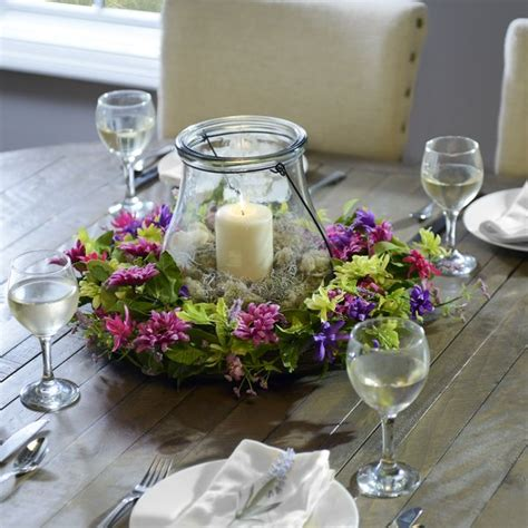 6 lantern centerpieces you can make at home table