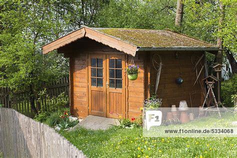 Garten Kaufen Oberbayern by Bayern Deutschland Europa Holzhaus In Garten Holzh 252 Tte