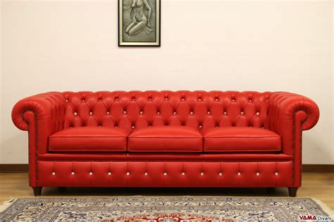 Divano Chesterfield Vicenza : Chesterfield Sofa With Vintage Brass-plated Studs