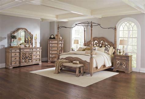 Bedroom Sets Design Galleries by Traditional Bedroom Design
