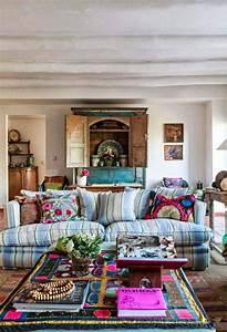 26 bohemian living room ideas decoholic for Images boho living hippie boho room