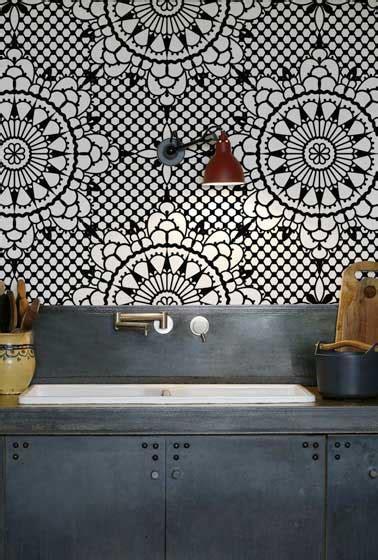 papier peint cuisine lavable crédence cuisine en papier peint lavable inspiration vitrail