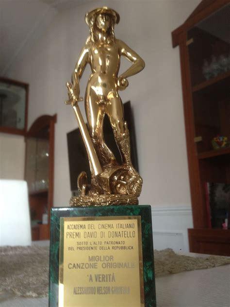 donatello david premio originale alessandro wikipedia garofalo miglior canzone nelson ippolito angelica easyitaliannews commons everipedia wikimedia premi dei che assegnati