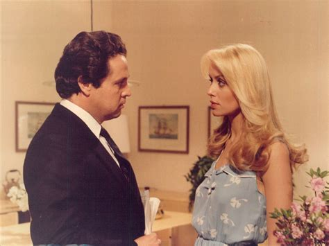 File:Fico d'India (1980) - Renato Pozzetto e Gloria Guida ...