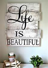 We all know how important our home is to us. 30+ DIY Wood Pallet Sign Ideas & Tutorials