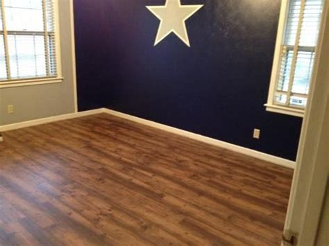 Resilient Plank Flooring Barnwood by 6 In X 36 In Barnwood Resilient Vinyl Plank Flooring 24