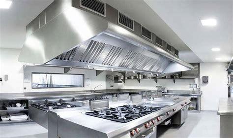 ventilation cuisine professionnelle hotte professionnelle comment bien la choisir pour sa cuisine