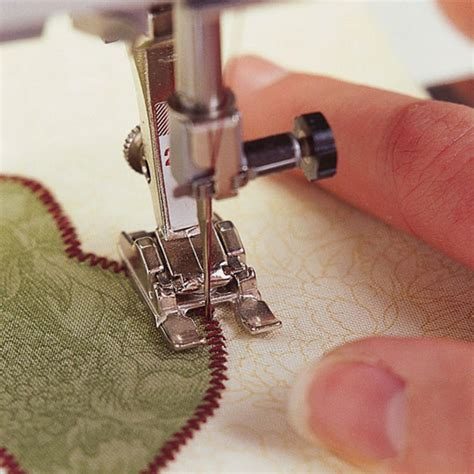 How To Sew Applique by Tips For Machine Appliqu 233 Allpeoplequilt