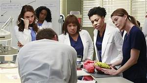 Watch Grey's Anatomy Season 11 Episode 10 The Bed's Too ...