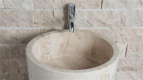 Lavabi Bagno Travertino Pietre Di Rapolano Lavabo Freestanding In Travertino Quot Colonna Quot Pietre Di