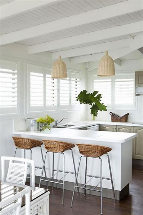 sgabelli da cucina 17 idee di arredamento d interni con mobili in rattan