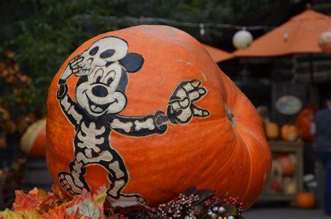 awesome disney pumpkin patterns  halloween