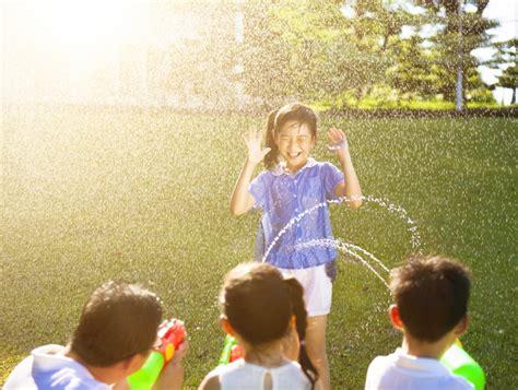 fun water games    splash home wizards