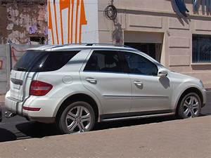 Mercedes Ml 350 Cdi : file mercedes benz ml 350 cdi 4matic sport 2011 14890437839 jpg wikimedia commons ~ Gottalentnigeria.com Avis de Voitures