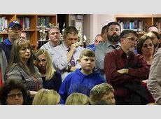 Kentucky school district will allow teachers to carry