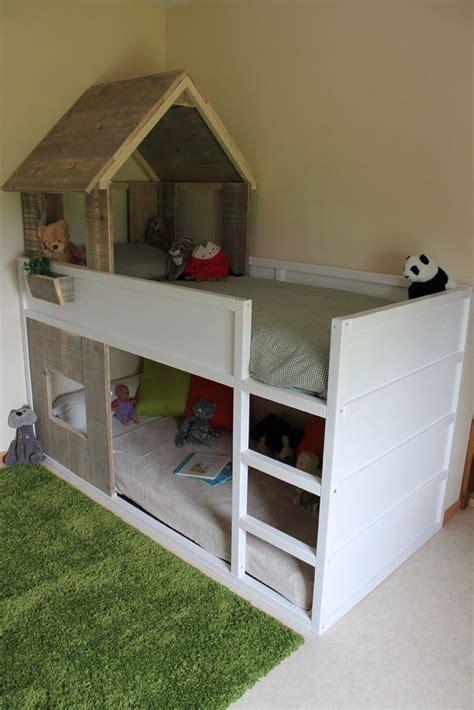 coin b b dans chambre parentale 17 meilleures idées à propos de lit superposé sur