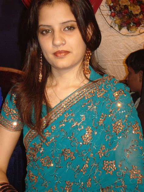 Lifeimage123 Hot Desi Aunties Saree Below Navel Photos