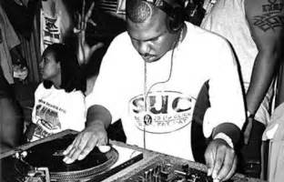 dj screw songs are chill i listen to them whenever i m