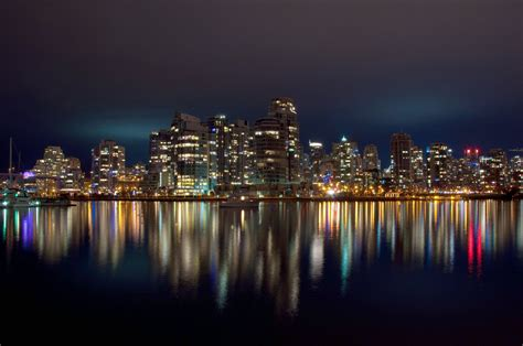 File:Vancouver at Night (6692752995).jpg - Wikimedia Commons