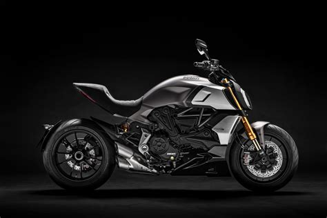 Ducati Diavel Image by 2019 Ducati Diavel 1260s Guide Total Motorcycle