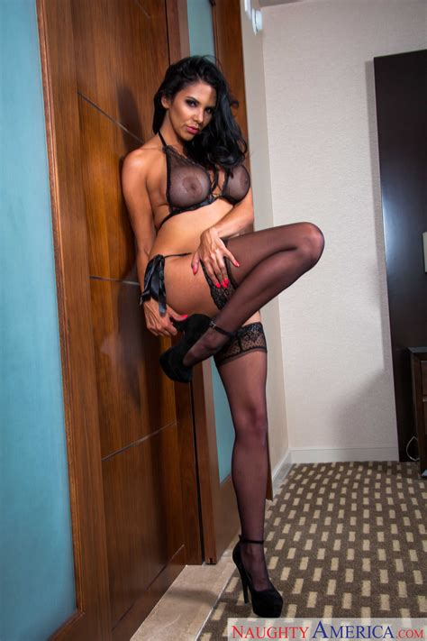 Big Titted Brunette Spread Her Legs Wide Photos Missy