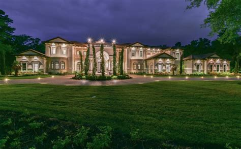 basketball player chris pauls texas mansion homes