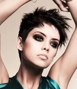 Coupe Courte Bouclée : aimez vous les coupes courtes pour les femmes ~ Farleysfitness.com Idées de Décoration