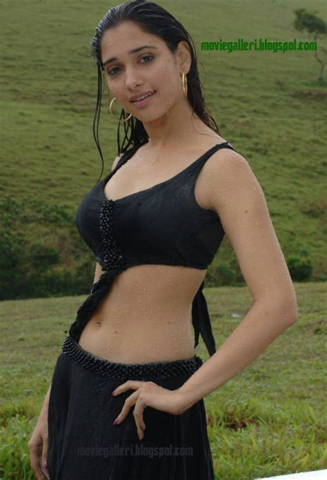 téa leoni bikini tamanna hot sexy without bra saree wet boobs nipple unseen