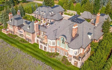 Unknown Palatial House by Qnews Palatial House In Michigan Features 8 Car Garage