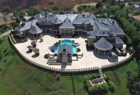 jeffree star buys hidden hills mansion   million  homes   rich