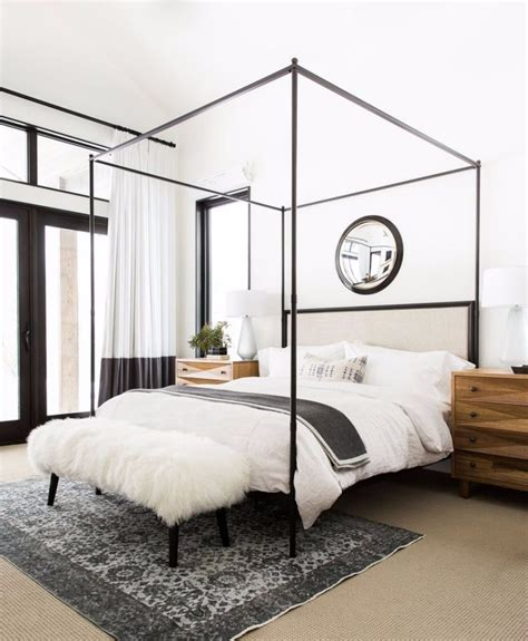 10 Master Bedroom Designs with Modern Canopy Beds Master