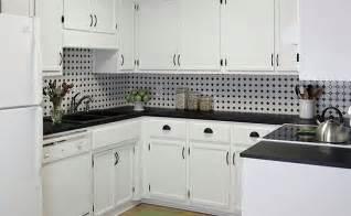 Black and White Kitchen Backsplash