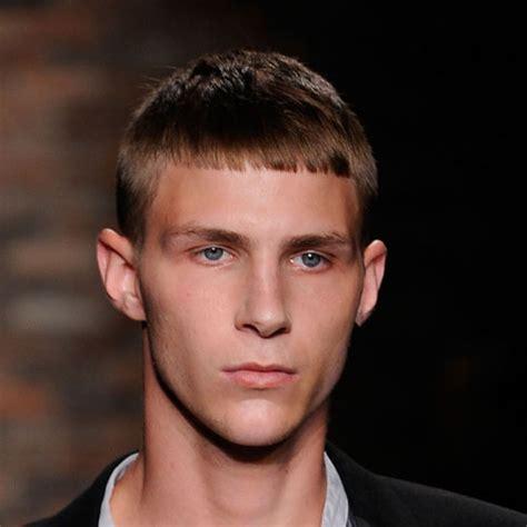 foto  tagli capelli medi ragazzo corti immagini tagli