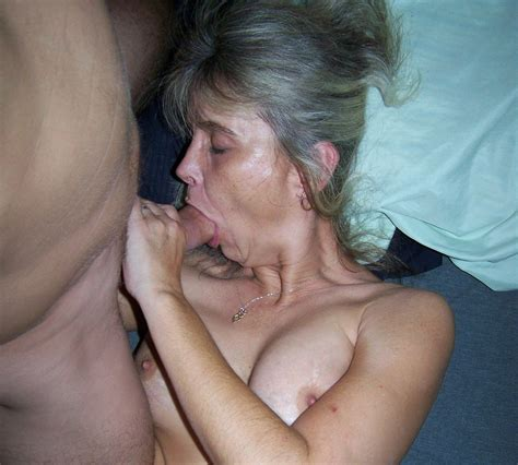 Amateur Mature Blonde Wife In Bed Giving Blowjob Tgp Gallery 331235