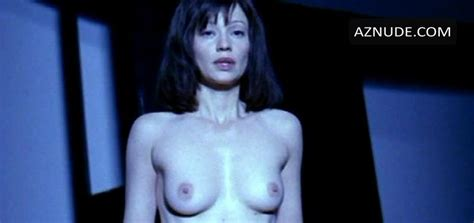 Samantha Mathis Nude Aznude