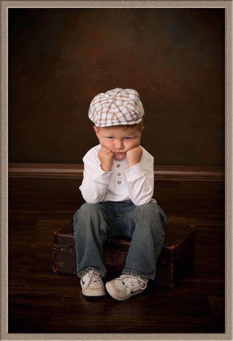 12919 photography style boy in studio children