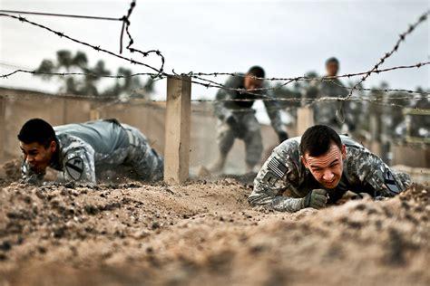 crawling   iraq   team building challenge
