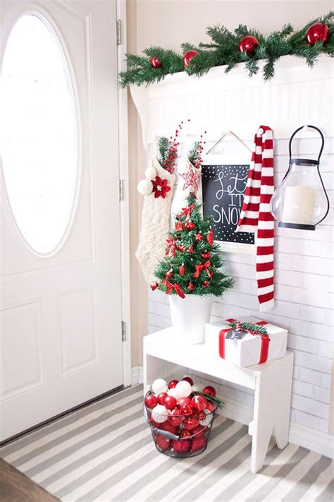 cozy red  white christmas decor ideas digsdigs